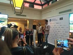 El futbolista del PSG Thiago Motta apadrina la promoció de la Costa Brava a París
