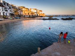 En 2019, en Cataluña se batió un nuevo récord anual de afluencia turística, con 19,3 millones de turistas extranjeros, y aumentó un 4,3 % el gasto. La provincia de Girona recibió 7,9 millones de turistas y registró 25,8 millones de pernoctaciones.
